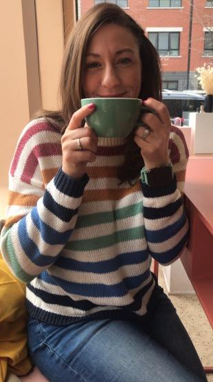 Enjoying a delicious latté :: Pastel Rita :: Montréal